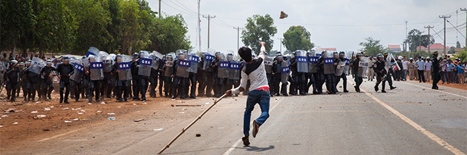 Sabrina Factory workers clash with police
